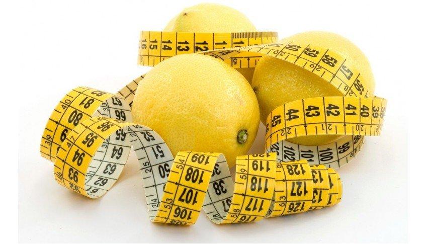 Помогает ли лимон похудеть